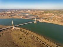 aérien Passerelle au-dessus du fleuve de Guadiana à Ayamonte portugal Photos stock