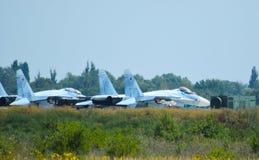 Aérodrome et parkings militaires d'avions Photos stock