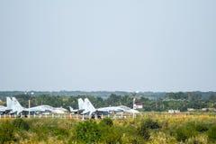 Aérodrome et parkings militaires d'avions Photo libre de droits