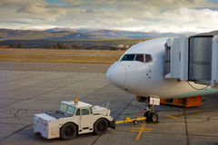 Aéronefs accouplés prêts pour l'embarquement Photos libres de droits