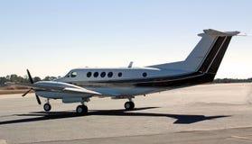Aéronefs bimoteurs de turbopropulseur Image libre de droits