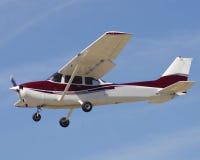 Aéronefs civils à l'approche Images libres de droits