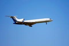 Aéronefs contre le ciel bleu Photos libres de droits