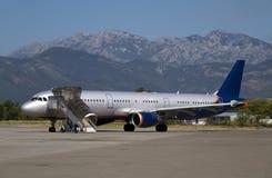 Aéronefs dans l'aéroport Photos stock