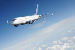 Aéronefs dans la surface d'espace libre de ciel Images stock