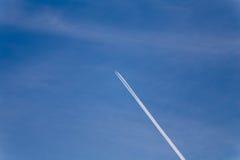 Aéronefs dans le ciel Photographie stock