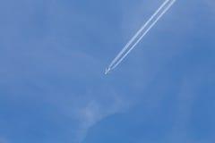 Aéronefs dans le ciel Photos stock