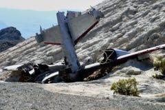 Aéronefs dans le Junkyard de désert Images stock