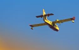 Aéronefs de lutte contre l'incendie Images libres de droits