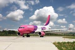 Aéronefs de Wizzair Image stock