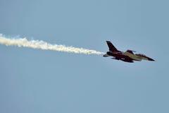 Aéronefs F-16 images libres de droits