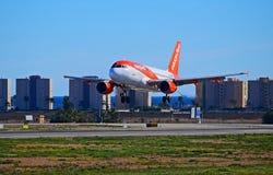 Aéronefs inférieurs de vol Images stock