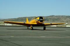 Aéronefs jaunes de cru Photo libre de droits