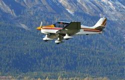 Aéronefs légers dans les montagnes Photographie stock libre de droits