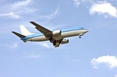 Aéronefs prêts pour l'atterrissage Image stock
