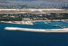 Aéroport abandonné antenne d'Elliniko et d'Agios Kosmas de marina, à Image stock