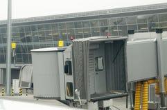 Aéroport accouplé pour l'embarquement Photos stock