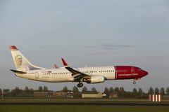 Aéroport d'Amsterdam Schiphol - Boeing 737 des terres norvégiennes Photo stock