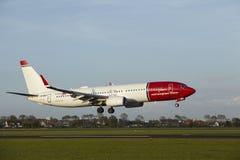 Aéroport d'Amsterdam Schiphol - Boeing 737 des terres norvégiennes Images libres de droits
