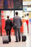 Aéroport d'hommes d'affaires en voyage Photo stock