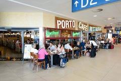 Aéroport d'intérieur de Prague Photos stock