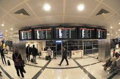 Aéroport d'Istanbul Atatürk - horaire Photos libres de droits