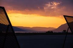 Aéroport dans Tivat, Monténégro au beau coucher du soleil Photos libres de droits
