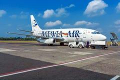 AÉROPORT DE BALI, INDONÉSIE - 28 AOÛT 2008 : Avion de Batavia a Photo libre de droits