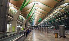 Aéroport de Barajas de hall de départ, Madrid Photos stock