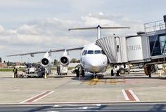 Aéroport de Bruxelles Avion en préparation Images stock