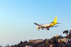AÉROPORT DE CORFOU, GRÈCE - 9 JUILLET 2011 : Airbus A319 de Germanwings Photos stock