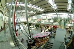 Aéroport de Düsseldorf - hall de déviations Image libre de droits