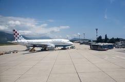 Aéroport de Dubrovnik avec le jet sur le tablier Photo libre de droits