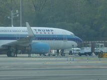 Aéroport 23 de Jet Airplane At LaGuardia de Donald Trump Photos libres de droits