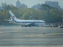 Aéroport 12 de Jet Airplane At LaGuardia de Donald Trump Images libres de droits