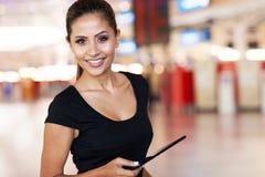 Aéroport de jeune femme Image libre de droits