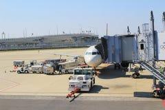 Aéroport de Kansai de vue de train hors de train Image libre de droits
