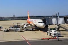 Aéroport de Kansai de vue de train hors de train Photo stock