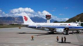 Aéroport de Lhasa, Thibet Image stock