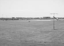 Aéroport de Londres Stansted noir et blanc Images stock