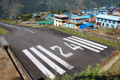 Aéroport de Lukla (LUA) Photographie stock libre de droits