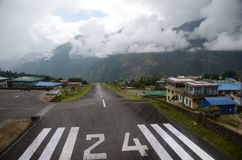 Aéroport de Lukla - point d'entrée d'Everest Image libre de droits