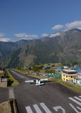 Aéroport de Lukla - point d'entrée d'Everest Photographie stock libre de droits
