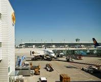 Aéroport de Munchen, service courant quotidien Image libre de droits