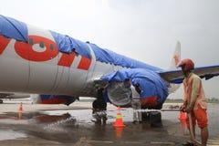 Aéroport de nettoyage de cendre volcanique Photos stock