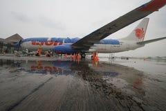 Aéroport de nettoyage de cendre volcanique Photo stock