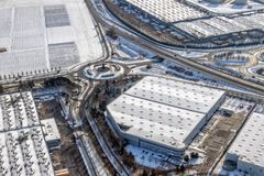 Aéroport de Paris couvert par la neige Photo stock