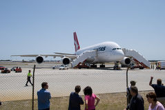 Aéroport de Qantas A380 Perth Photos stock