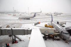 Aéroport de Sheremetyevo en hiver Moscou, Russie Image stock