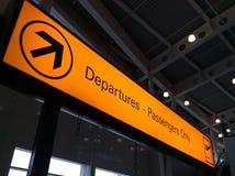 Aéroport de signe de départ Photo stock